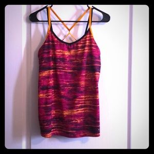 Workout tank with built in shelf bra